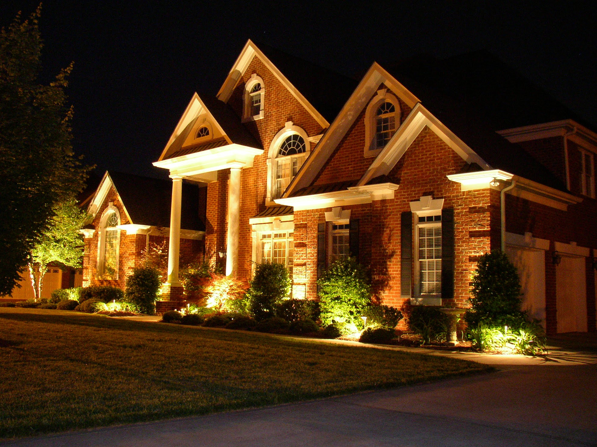 Gilbert Scottsdale And Tempe Landscape Security Lighting